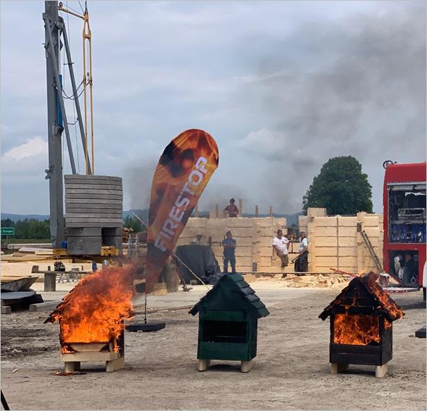 Firestop предпазва дървесината от пожар