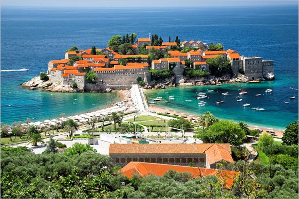Остров Свети Стефан - покривите на историческите сгради са обновени с TONDACH®