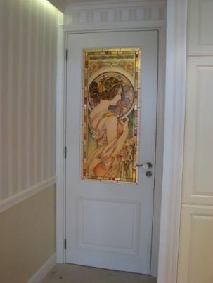Луксозна интериорна врата от МДФ с витраж