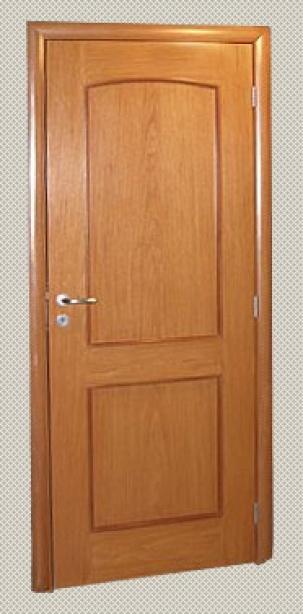 Интериорна таблена врата от масивен дъб