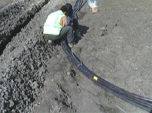 Полагане на кабели и тръби
