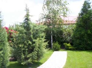 Изграждане и озеленяване на градина