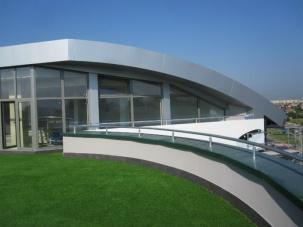 Дограми и фасада на административна сграда