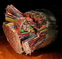 Прозвъняване и подвързване на кабели