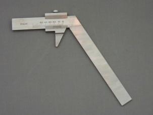 Шублер за измерване на свредла с винт