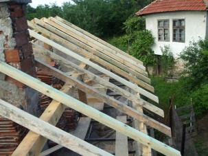 Ремонт на течащ покрив