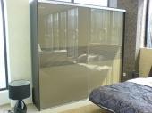 корпусни гардероби с плъзгащи врати