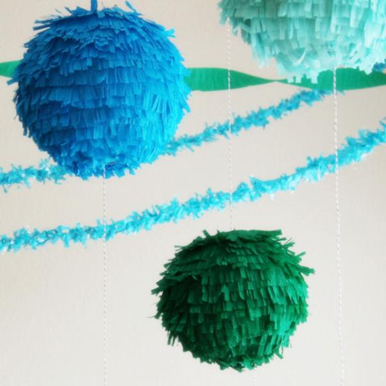 Декоративный  шар  из  бумаги  с