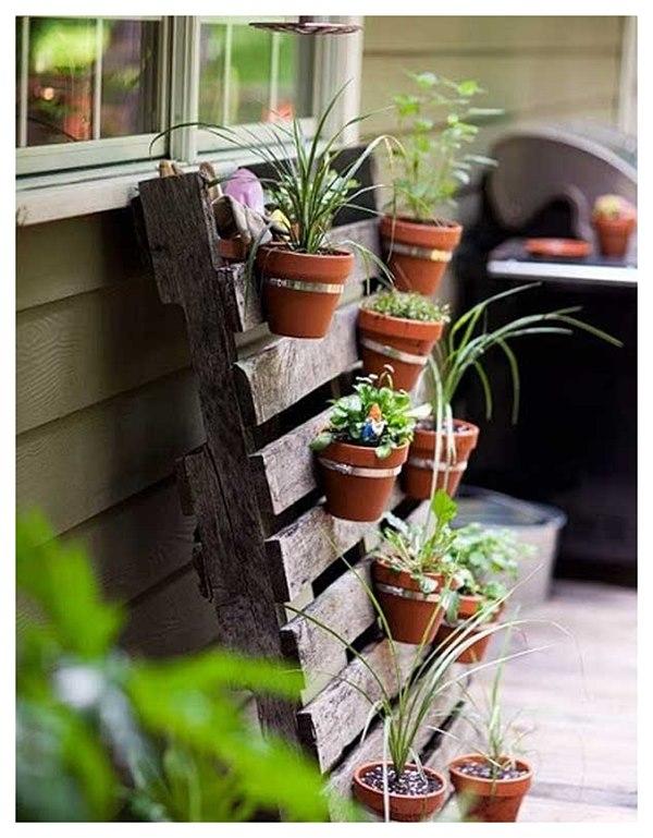 Висяща градина върху палети