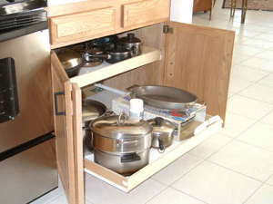 Great Kitchen English Oak Cabinet