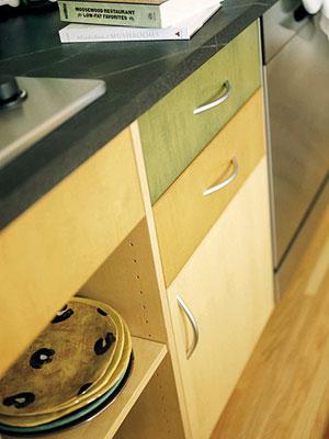 Wood tones kitchen cabinets
