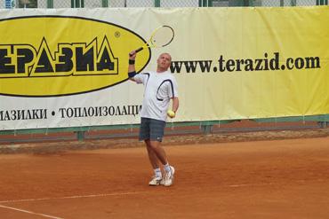 Теразид кани строители и архитекти на тенис турнир