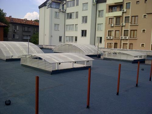 Покривът на 'Четвъртък пазара' в Пловдив с горно осветление от Ондулин