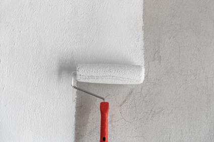 Заличете петната по стените
