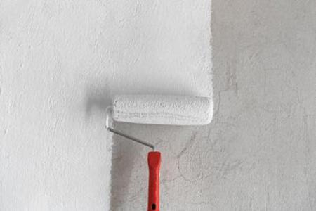 Заличете жълтите петна по стените