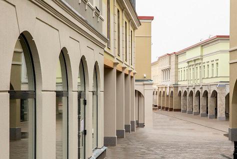 Системата за фасаден дизайн на StyroDesign преобразява Zsar Outlet Village във Финландия