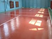 Саморазливна спортна настилка на акрилна основа за закрити зали